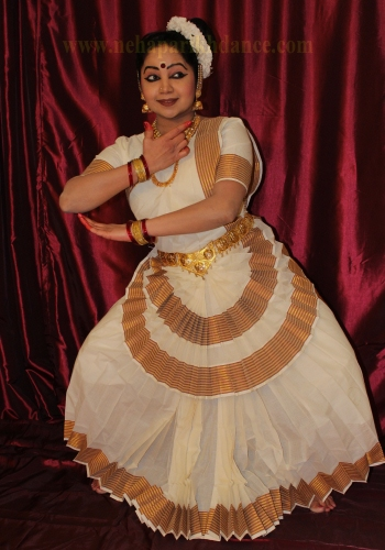 Neha performing Mohiniattam